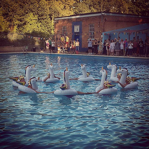 #tootingbeclido's legendary #coldwater dance troupe The Dive-in Belles excelled themselves yesterday evening at the @slsclido Summer Party. And yes, since you ask, those *are* inflatable rainbow unicorns they're wearing... #tooting #openair #swimming